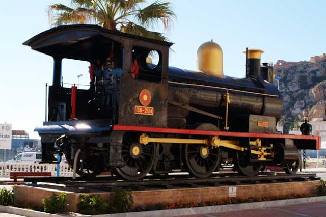 Monumento ferrocarril aguilas