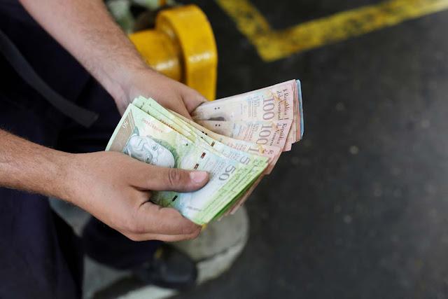 Cae a 45 centavos de peso el bolívar en la frontera