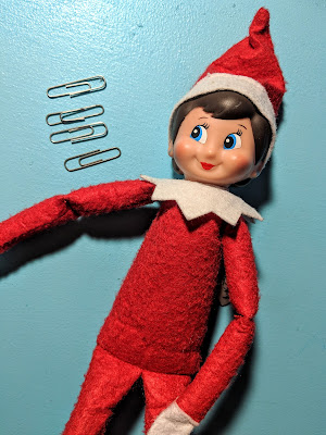 no sew bendable elf on the shelf, bendable Elf on the Shelf, posable Elf on the Shelf, no sew posable Elf on the Shelf, Elf on the Shelf, Elf on the Shelf hack, bendy elf, Elf hack, Christmas tradition, Christmas elf, Christmas elf hack, paper clip hack, no sew elf hack, elf on the shelf upgrade