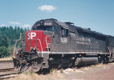 Southern Pacific SD40M-2 #8591 in Oakridge, Oregon, on July 18, 1997