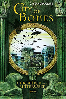 http://www.amazon.de/City-Bones-Chroniken-Unterwelt-1/dp/3401061321/ref=sr_1_1?ie=UTF8&qid=1457637822&sr=8-1&keywords=city+of+bones