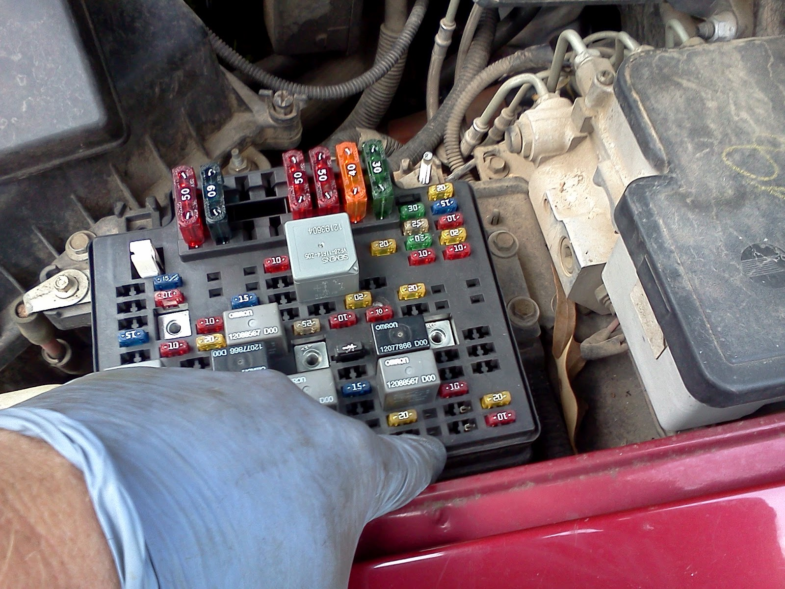 Timthetech 1998 Chevrolet S10 2 2, Brake Lights Not Working HHR Fuse Box 99  S10