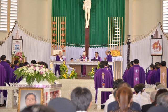 Thánh Lễ an táng Cha Phêrô Bùi Thanh Xuân - Gp Vĩnh Long - Ảnh minh hoạ 11