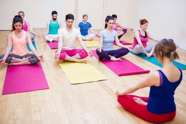 Soluciona tu vida mientras practicas Yoga.
