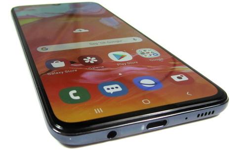 Kualitas Layar Samsung A70