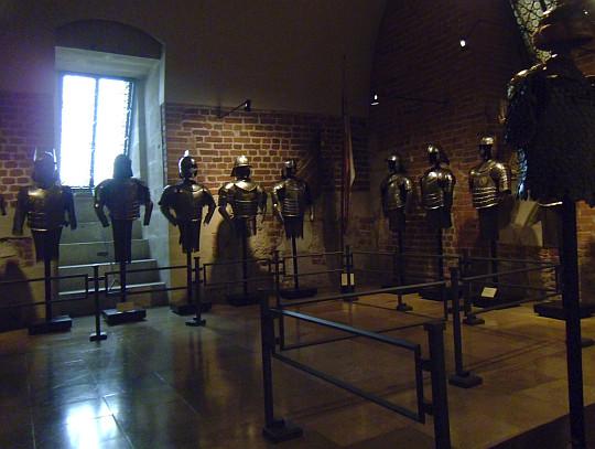 Zamek Królewski na Wawelu. Sala ze zbrojami.