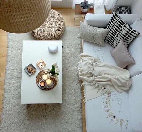 ruang tamu minimalis lesehan tanpa kursi