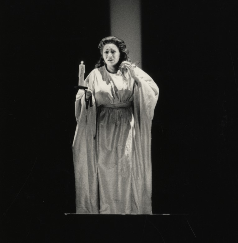 ARTS IN ACTION: mezzo-soprano GRACE BUMBRY as Lady Macbeth in Los Angeles Music Center Opera's 1987 production of Giuseppe Verdi's MACBETH [Photograph © by Los Angeles Music Center Opera; image from the Detroit Public Library collection]