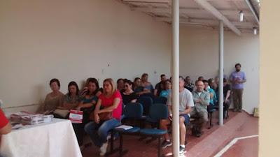 Professores do Vale do Ribeira discutem organização de assembleia e paralisação em setembro
