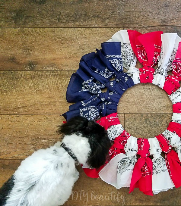 easy bandana wreath for July 4th