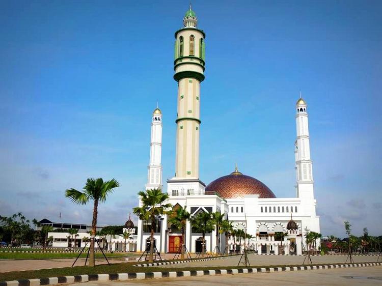 Daya Tarik Tempat Wisata Religi Masjid Mujahidin Pontianak