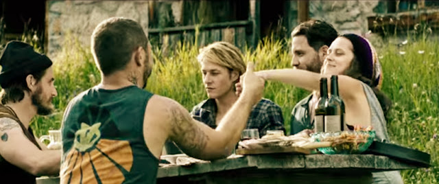 Point Break 2015 Movie - Sinopsis (Teresa Palmer, Luke Bracey, Édgar Ramírez)