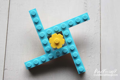 How to make a DIY fidget spinner with legos