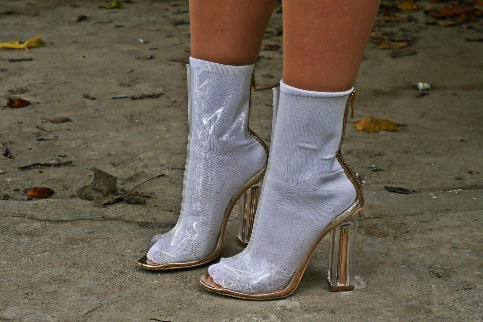 11_yezzy_shoes_plastic_boots_transparent_karyn_blog_modowy_191017