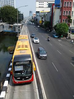 bus transjakarta rute blok m kota