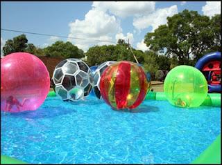 Menjual menyewakan balon air untuk keperluan outbond