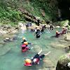Pacu Adrenalinmu di Wisata Cave Tubing Kalisuci