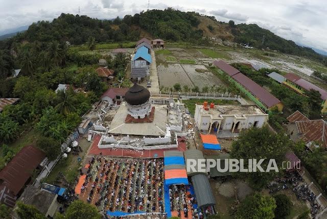 29 Masjid di Pidie Jaya Ambruk