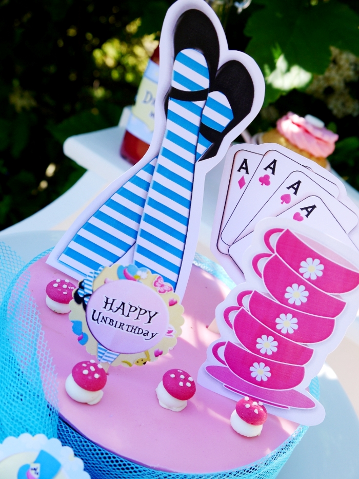 "Alice in Wonderland Inspired ""Un-Birthday"" Tea Party cake - BirdsParty.com"