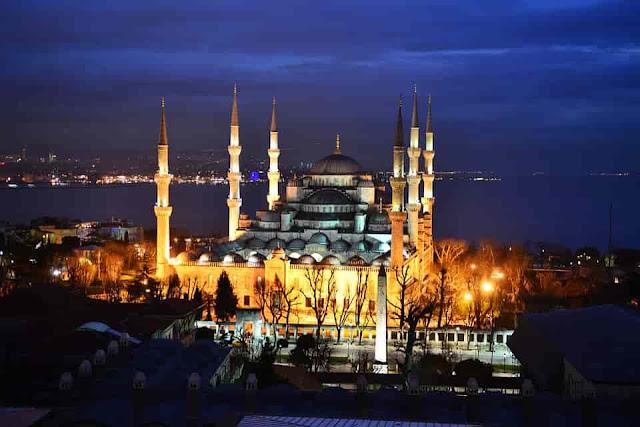 Dahsyatnya Kekuatan Masjid