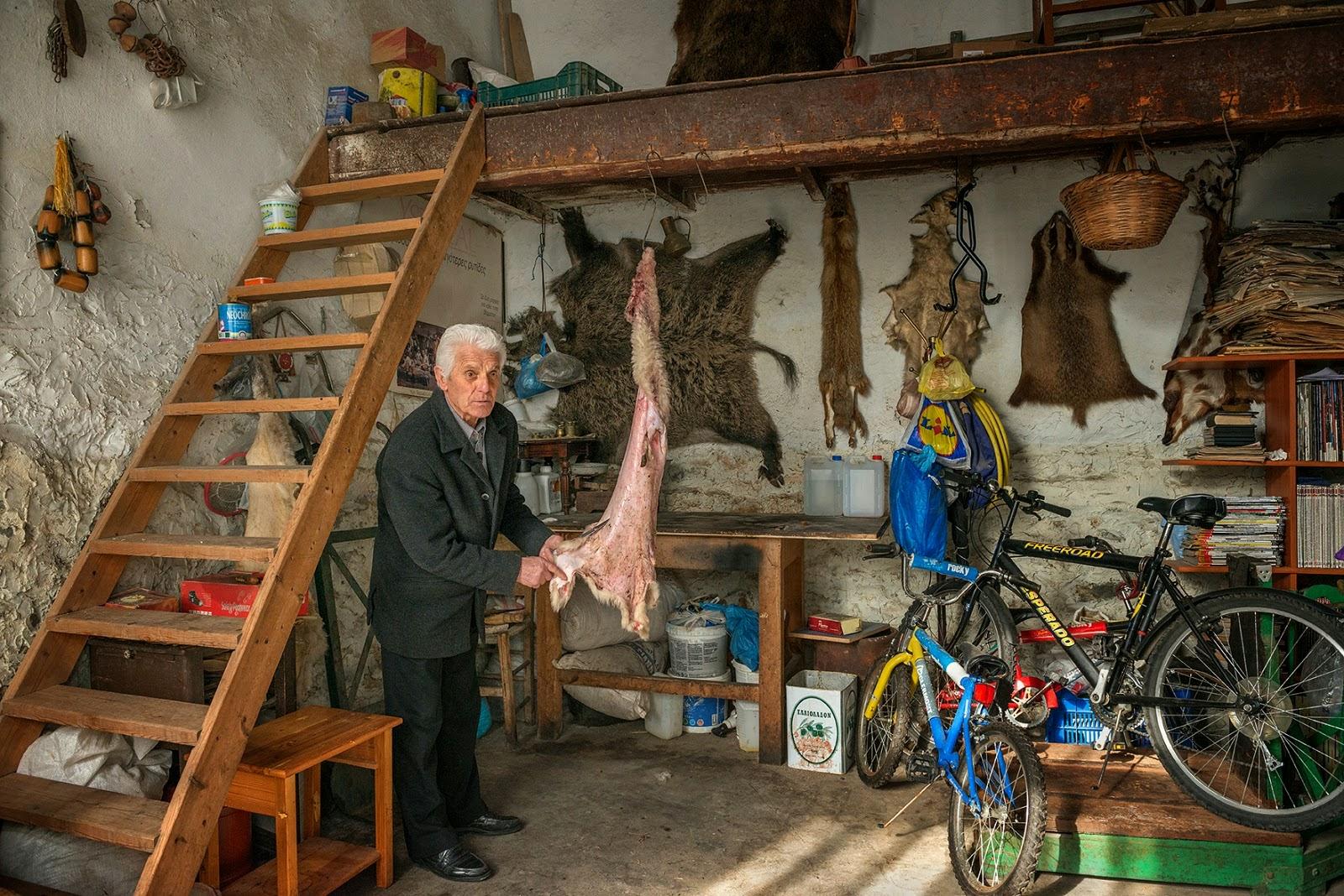Aναμνήσεις ενός τεχνικού ακατέργαστων δερμάτων - Τι έγινε όταν ήρθαν οι φάρμες στην Καστοριά και την Σιάτιστα