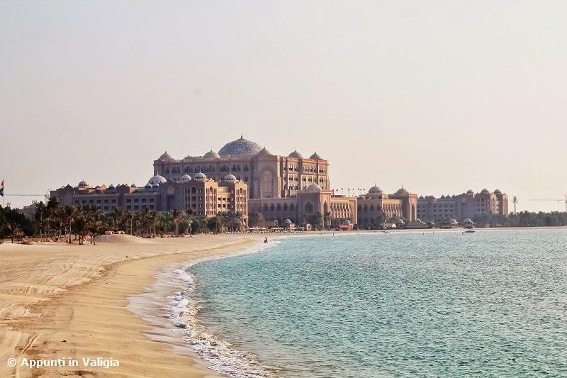 cosa-vedere-abu-dhabi-emirates-palace