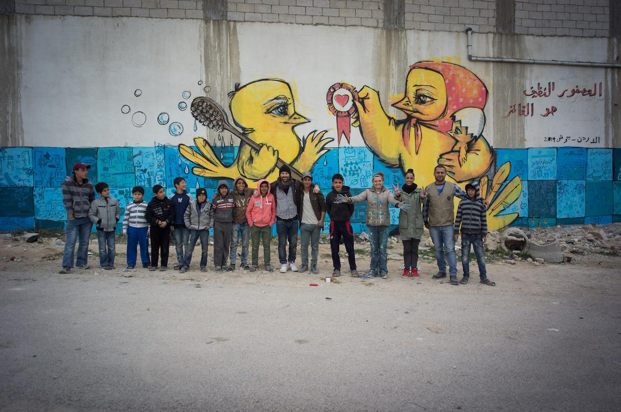 Der Graffiti Kunstler Rumgekritzelt