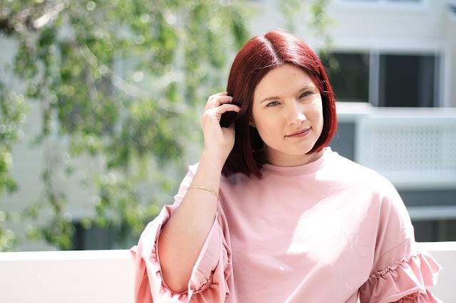 Red hair inspiration, blush t-shirt, trends, fashion, style, fashion blogger, affordable fashion, shein