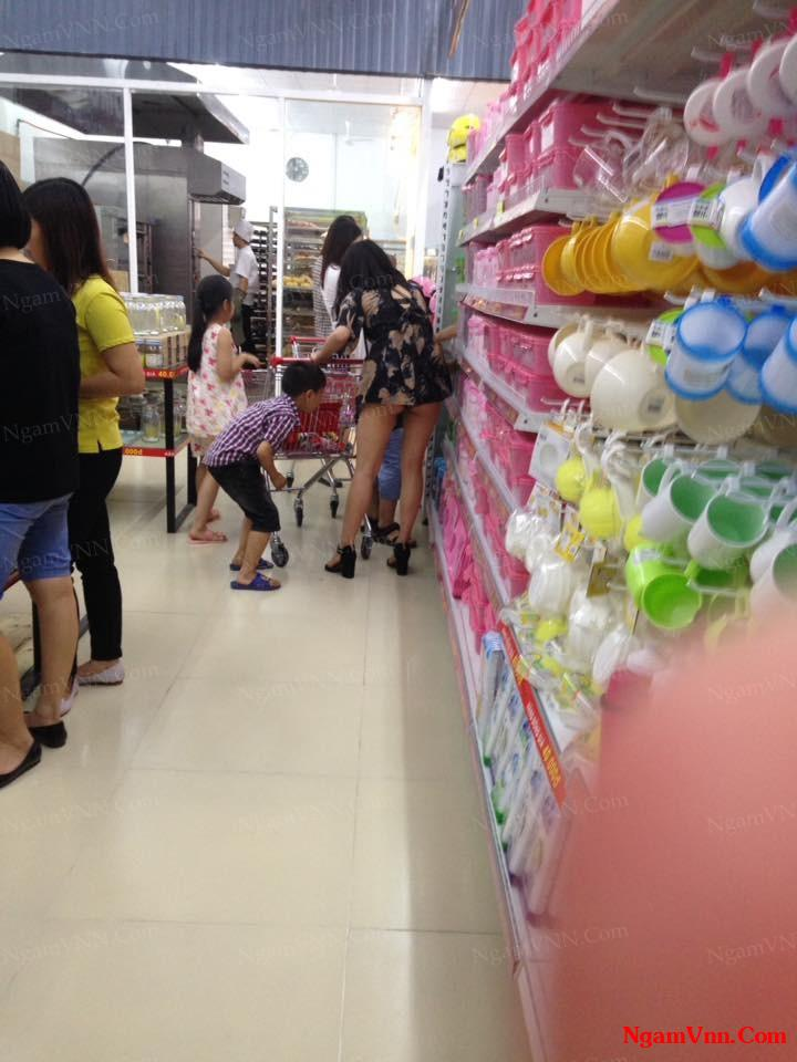 Nghỉ lễ tranh thủ đi siêu thị mua đồ mình đã gặp cảnh tượng kinh hoàng này ahuhu :((