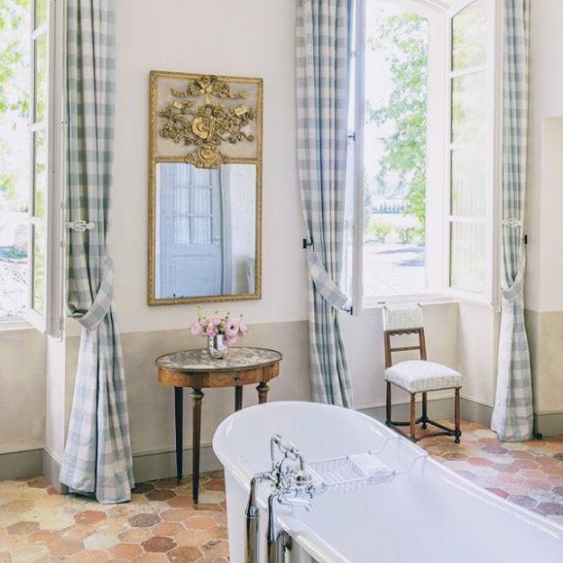 Decor travel le mas des poiriers in provence france - Decoration interieur mas provencal ...