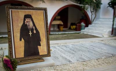 Ο Άγιος Γέροντας Ιάκωβος Τσαλίκης ο «Με Συγχωρείτε» (Βίντεο)