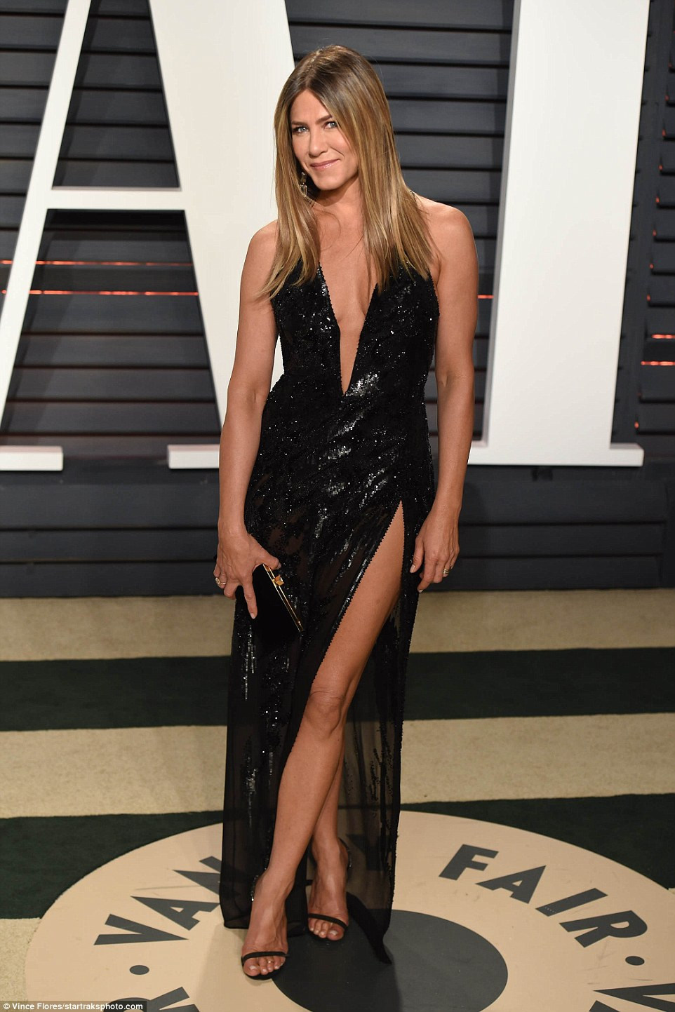 Jennifer Aniston sizzles in Atelier Versace at the 2017