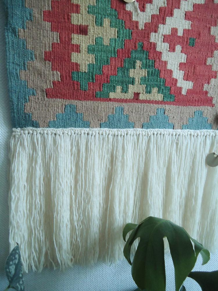 dorabiam długie frędzle do kilimu