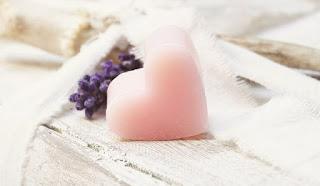 sabonete em forma de coração