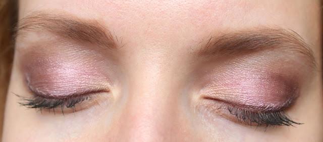 Весенний розовый нежный макияж