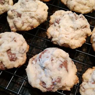 Toblerone shortbread cookies: QuiltBee