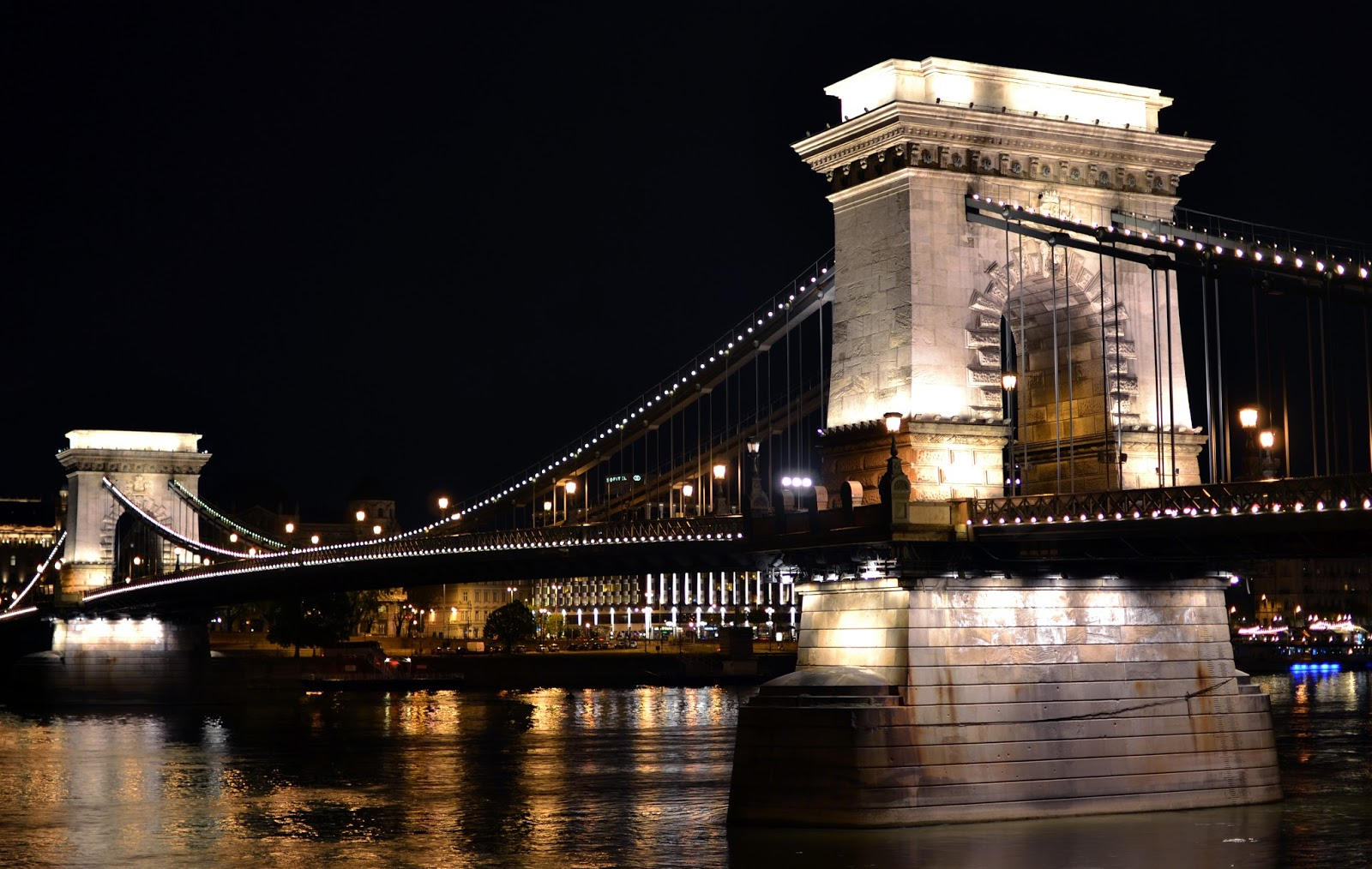 chain bridge at night, budapest, danube, hungary, eastern Europe, photography