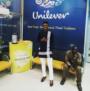 Efe sharp look in native outfit at Unilever headquarters