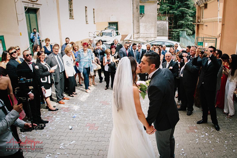 uscita sposi bacio matrimonio Genova