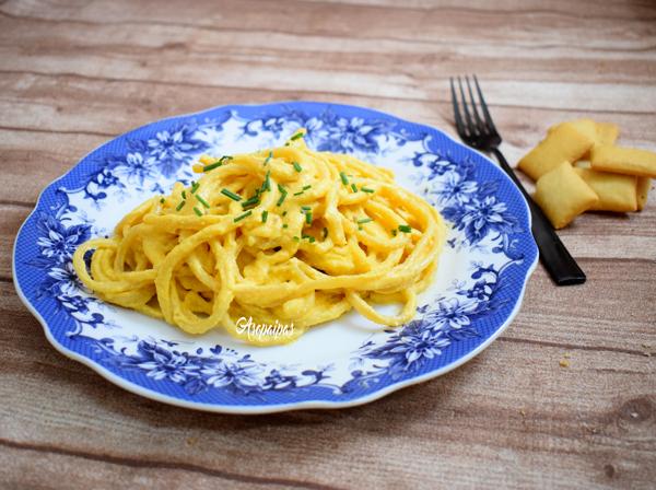 Bucatini con Salsa de Anacardos, Patatas y Zanahorias. Vídeo Receta