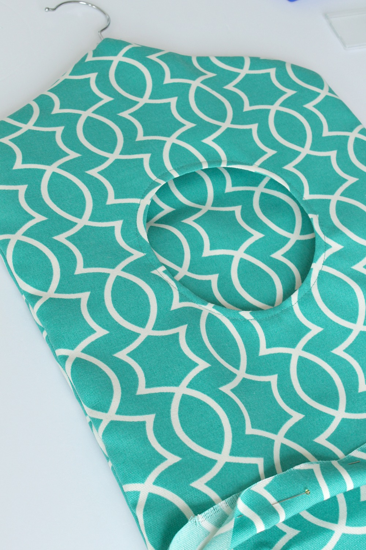 DIY Clothespin Bag on Hanger Tutorial