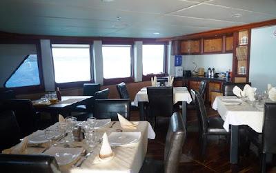 Tours Galápagos Yates de primera clase Crucero Catamarán Treasure of Galápagos