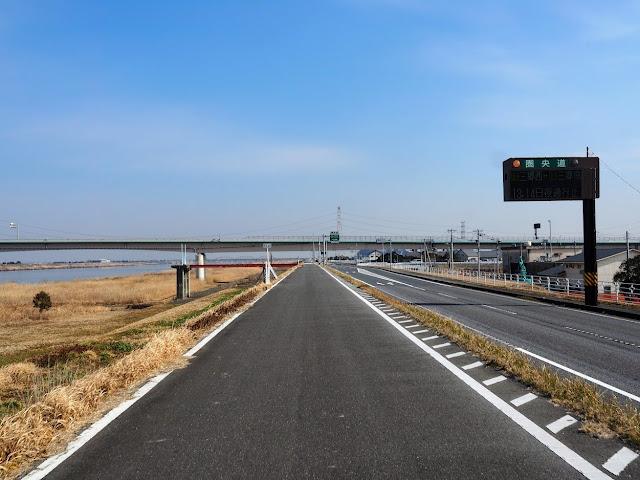 利根川 圏央道