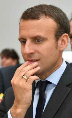 blog%2B-Macron%2Bcasse%2Btoi%2Bpauv%2Bcon-Laval