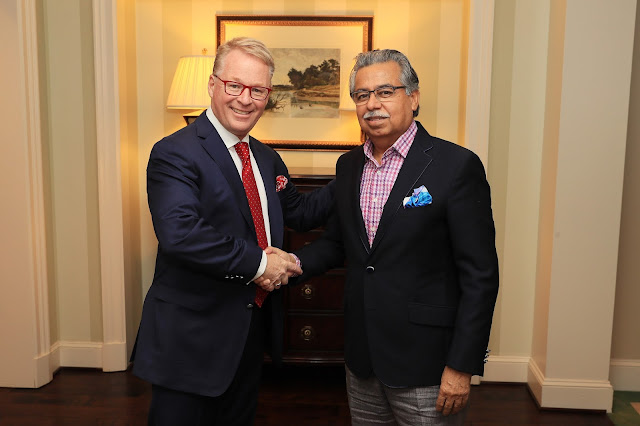 Pawan Munjal CMD Hero MotoCorp with Keith Pelley CEO European Tour-min