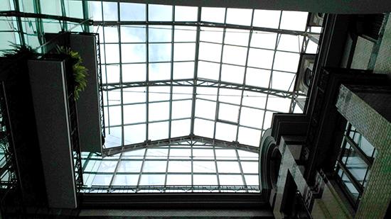 Стеклянная крыша дом Зингера