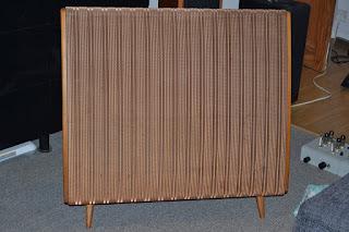 A quick look at the Quad ESL 57 loudspeaker.