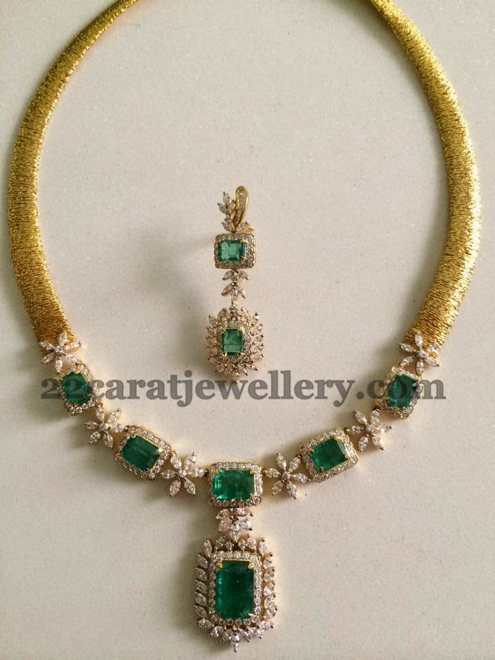 Simple Opulent Choker In Emeralds Jewellery Designs