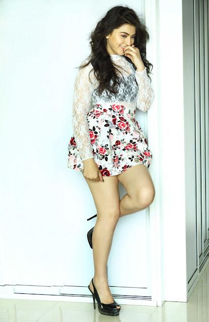 actress hansika motwani wiki hot big boobs n navel hd pics images photos wallpapers19