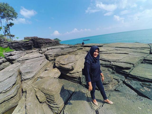 Batu Lapis dan Pulau Mengkudu